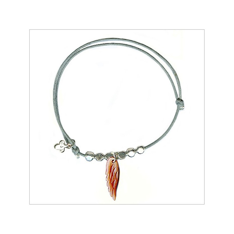 Feather with bead on sliding link
