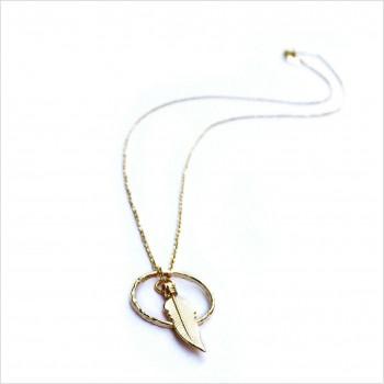 Collier plume dans l'anneau sur chaine en plaqué or - Bijoux modernes - Gag et Lou - bijoux fantaisie