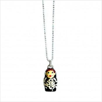 Collier médaille poupée russe en émaille noire sur chaine en argent - Bijoux fantaisie