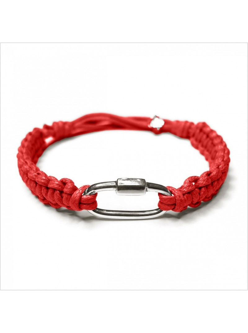 The carabiner on a waxed cotton macrame