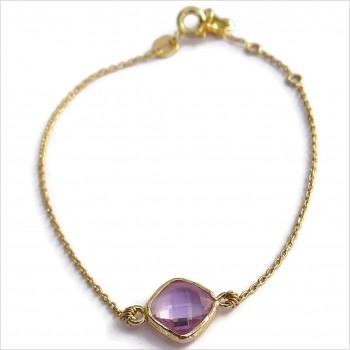 Bracelet sur chaine sertie d'une médaille lila en plaqué or - Bijoux fins et tendances