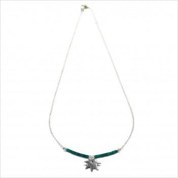 Collier Goa feuille pendante avec perles tubes verte émeraude sur chaine argent - Bijoux modernes - Gag et Lou