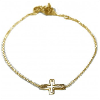 The outlined cross on chain