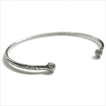 The hammered ball bangle