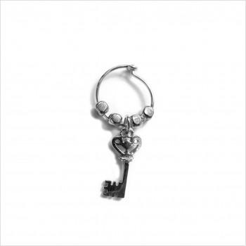 Stories earrings : Key