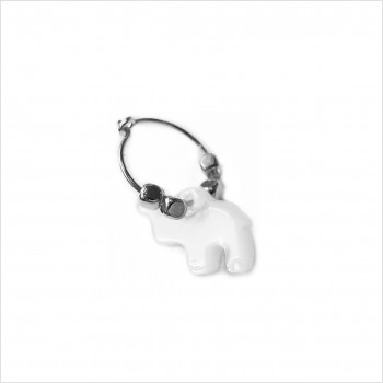 Stories earrings : White shell elephant