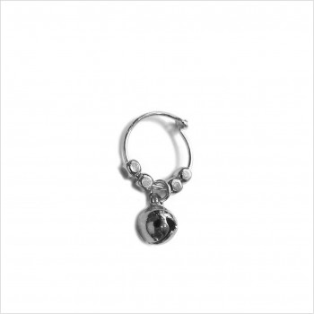 Stories earrings : Bell