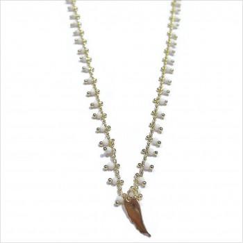 Collier India en plaqué or sur chaine perlée blanche et charms aile d'ange - Bijoux modernes - Gag et Lou- bijoux fantaisie