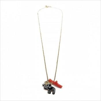 Collier Bora-Bora en plaqué or et corail rouge, éléphant en nacre noir, lune martelée sur chaine - Bijoux modernes - gag et lou