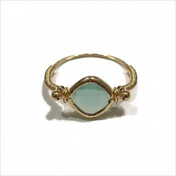 Bague sur fil plaqué or et médailles sertie pierre bleue turquoise - bijoux fins originaux de créateur