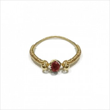 Bagues fil d'or en plaqué or surmontée d'une pierre fine Grenat rouge - Bijoux de créateur
