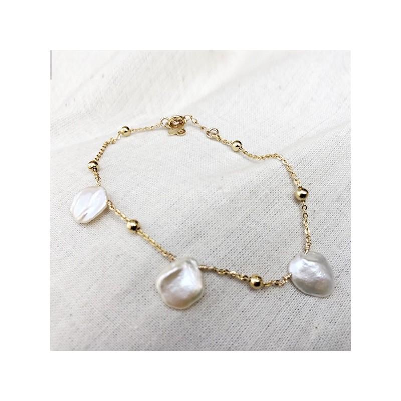 Bracelet Maddy pétales de perles d'eau douce sur chaines perlées en plaqué or - Bijoux modernes - Gag et Lou - Bijoux fantaisie