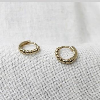 Minis créoles multi boules en plaqué or - Bijoux tendance