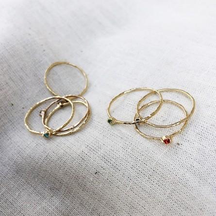 Bagues fines martelées en plaqué or micro pierres de couleur - Bijoux fins et fantaisies