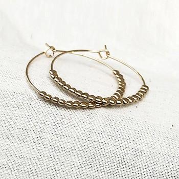 Créoles 30 mm en plaqué or avec perles à écraser - Bijoux fins et fantaisies