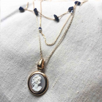 Collier grand camée rond bleu en plaqué or en mix and match de colliers assortis lapis lazuli plaqué or - gag and lou