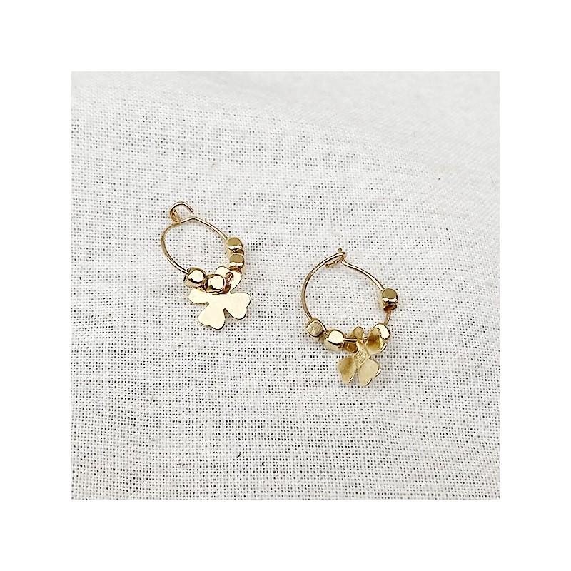 Créoles plaqué or avec perles facettées pendentif trèfle - Bijoux fins et fantaisies