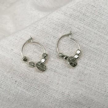 Créoles en argent avec perles facettées pendentif lune ronde martelée - Bijoux fins et fantaisies