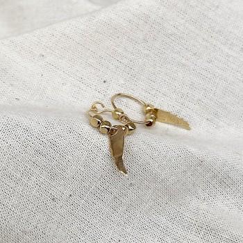 Créoles en plaqué or avec perles facettées pendentif aile d'ange - Bijoux modernes