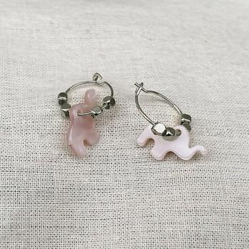 Créoles en argent avec perles facettées pendentif éléphant nacré rose - Bijoux modernes