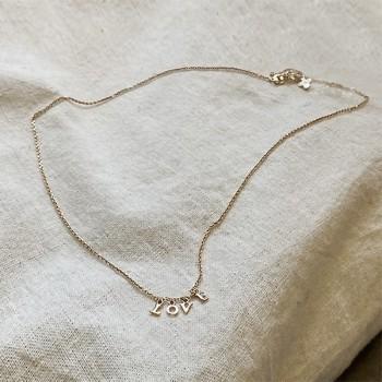 Collier micro lettre love sur chaine en plaqué or - bijoux modernes - gag and lou - bijoux fantaisie