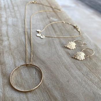 Collier anneau martelé 30 mm sur chaine en plaqué or - Bijoux fins et intemporels