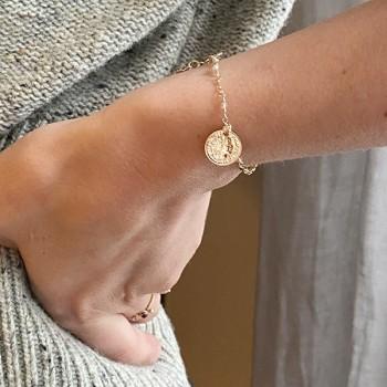 Bracelet chaine plaqué or pierre quartz rose médaille pièce de monnaie - Bijoux fins et tendances
