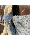 Collier médaille camée dentelle bleue pâle sur chaine plaqué or - Bijoux modernes