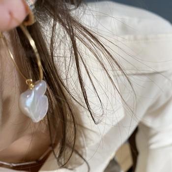 Minis créoles serties de zirconium bleu en plaqué or - Bijoux modernes