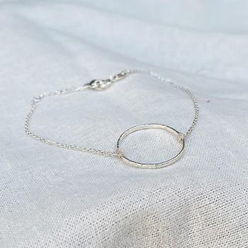 Bracelet en argent anneau martelé 20 mm sur chaine - bijoux fins et intemporels