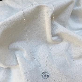 Collier médaille Love dans l'anneau en argent - Bijoux fantaisie