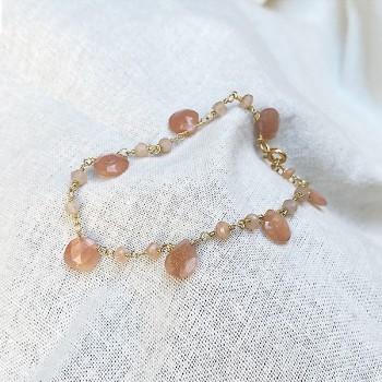 Bracelet plaqué or sur chaine de pierres fines en Pierre de lune rose - Bijoux moderne