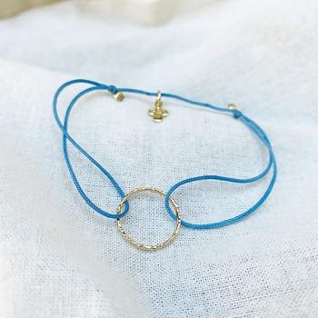 Bracelet anneau martelé 15 mm en plaqué or sur lien soyeux ajustable - Bijoux fins et tendances