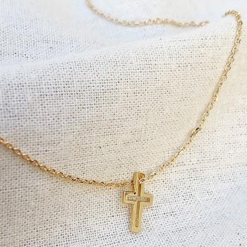 Collier croix évidée sur chaine en plaqué or - bijoux fins et fantaisies