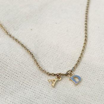 Collier micro lettre en plaqué or sur chaine, toutes les lettres disponibles - Bijoux modernes - gag et lou - bijoux fantaisie