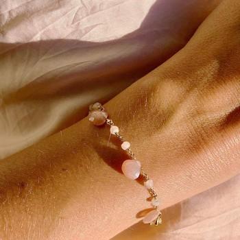 Bracelet plaqué or sur chaine de pierres fines en Pierre de lune rose - Bijoux originaux tendances