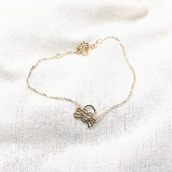 Bracelet tête de mort évidée sur chaine en plaqué or - bijoux fins et fantaisies