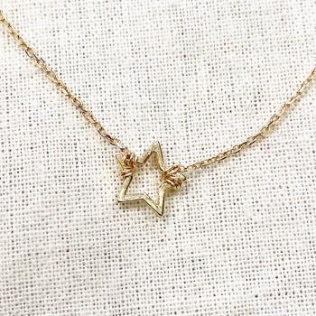 Bracelet étoile évidée sur chaine en plaqué or - bijoux fins et fantaisies