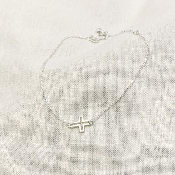 Bracelet croix évidée sur chaine en argent - bijoux fins et fantaisies