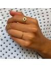 Bagues médailles martelées sur fil en plaqué or pierre centrale de couleur - Bijoux fins et originaux