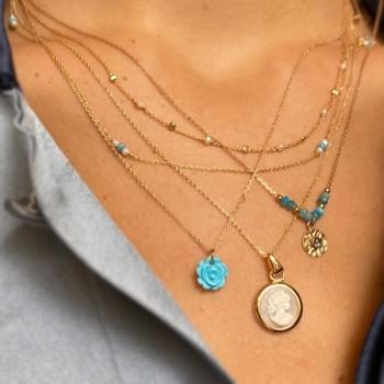 Collier sur chaine en plaqué or pierres fines apatite médaille ronde martelée - Bijoux fins et tendances