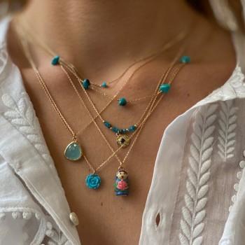 Collier sur chaine médaille pierre sertie de couleur turquoise sur chaine plaqué or - Bijoux fins et modernes