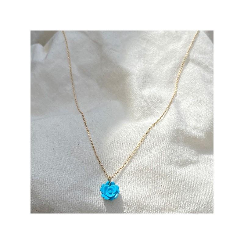 Collier pendentif rose en turquoise sur chaine en plaqué or - Bijoux fins et intemporels