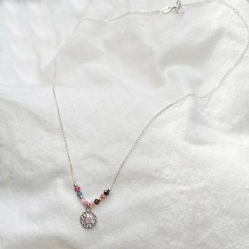 Collier sur chaine en argent pierres fines tourmaline médaille ronde martelée - Bijoux fins et tendances