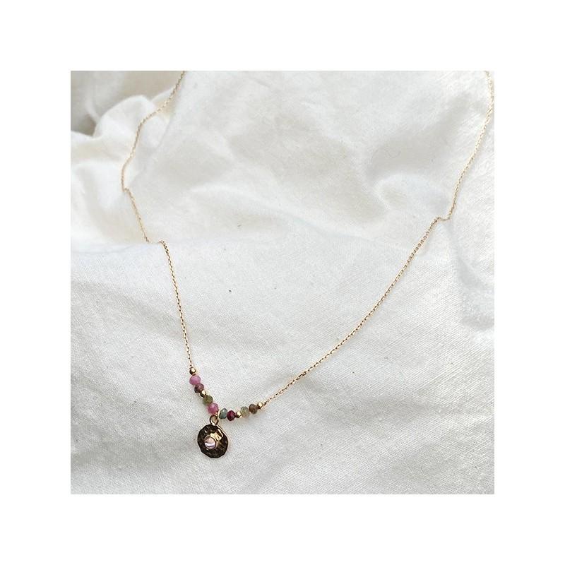 Collier sur chaine en plaqué or pierres fines tourmaline médaille ronde martelée - Bijoux fins et tendances