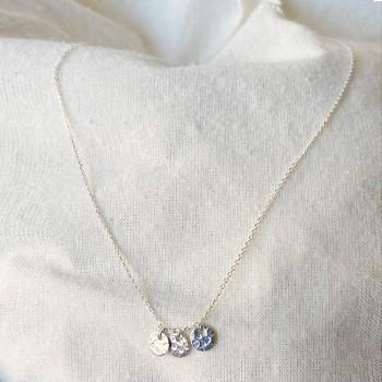 Collier sur chaine trois médailles rondes martelées en argent- Bijoux fins et tendances