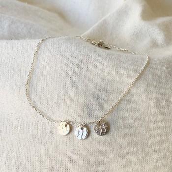 Bracelet 3 petites pampilles martelées sur chaine en argent - Bijoux fins et fantaisies