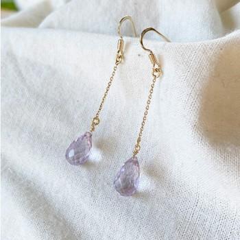 Boucles d'oreille pierre violette pendante sur chaine en plaqué or - Bijoux fins et fantaisies