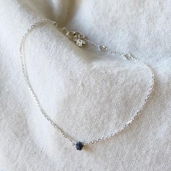 Bracelet Délicat en argent avec une pierre semi-précieuse en spinelle - Bijoux fins et intemporels