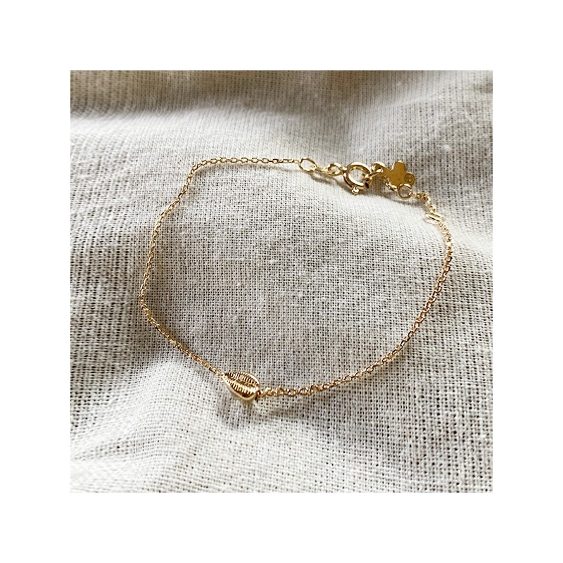 Bracelet mini Cauris sur chaine en plaqué or - bijoux fins et tendances